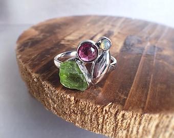 Raw peridot ring, peridot ring, raw gemstone ring, raw crystal ring, peridot jewelry, rhodolite ring, leaf ring, gift ideas, ooak ring, Zeba
