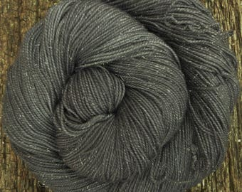 MERINO SILVER SOCK wool, hand dyed,  4 ply, fingering, 100 gms, 400 mts, Mollycoddle Yarns, indie dyer