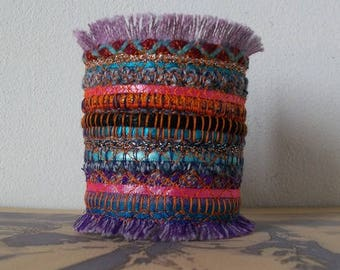 Jewelry textile boho / Bohemian/lace, lurex and embroidery on felt cuff/style bracelet