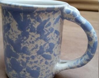 Vintage Bennington Potters Vermont Mug. Signed David Gil. Periwinkle Blue Sponging.