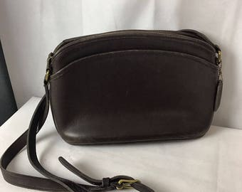 Quailty Vintage Coach Shoulder Bag