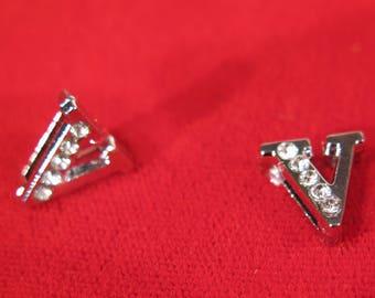 "10pc ""letter V"" 8mm slide charms in antique style silver (BC1375-V)"
