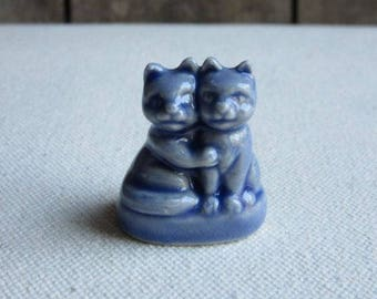 Vintage Wade Blue Hugging Cats, Pet Shop Series, Wade England, English Whimsies, Red Rose Tea,Pair Two 2 Hugging,Blue Cat Figurine,Miniature