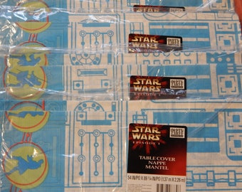 Lot of four Star Wars Episode 1 paper tablecloths New in package