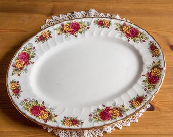 Pretty oval serving platter with roses and gilding, H. Aynsley