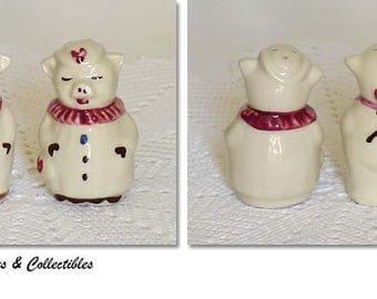 Shawnee Pottery Vintage Smiley and Winnie Pig Shaker Set (Inventory #M2054)