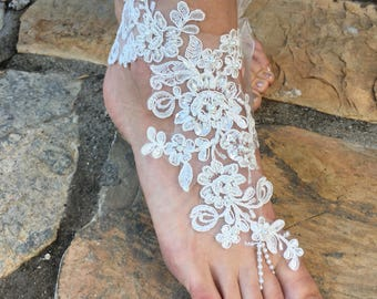 Ivory Lace Barefoot sandals and gloves set ..Bride bridesmaids barefoot sandals beach wedding sandals bridesmaid gift.. Pearls rhinestone ba