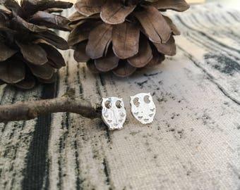 Silver oval owl earrings