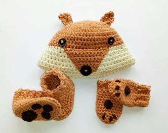 Crocheted new born fox hat, mittens and booties set, super cute! Photo prop.