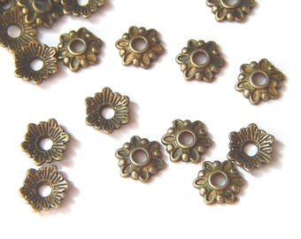Flowers with 6 petals 8mm bronze bead caps