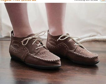 20% OFF SALE Vintage Minnetonka suede moccasin boots bootie hush puppies style size 5 to 5 1/2