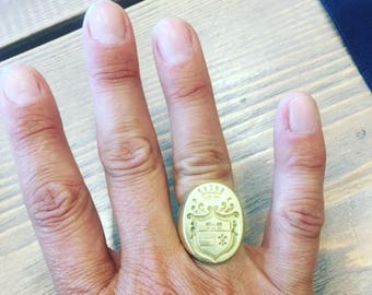 Ring with English aristocratic crest