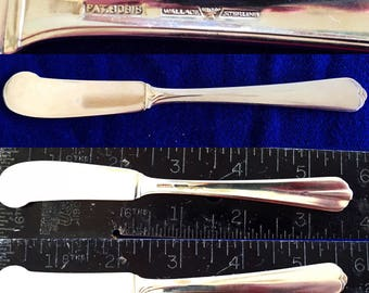 Sterling Silver antique butter knife with no engraving by Wallace an elegant solid piece of silver flatware for table use or display