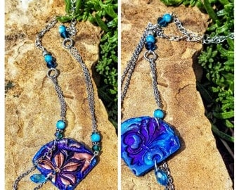 Reversible Natural Clay Statement Necklace - Brilliant Blue