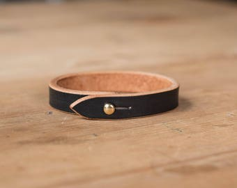 Basic Black Vegetable-tanned Leather Bracelet