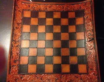 Traveling chess board