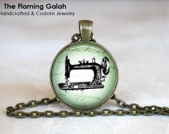 OLD SEWING MACHINE Pendant •  Seamstress •  Sewing •  Needle Craft •  Vintage Sewing Machine • Gift Under 20 • Made in Australia (P1364)
