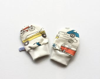 Organic baby mittens, baby scratch mitts, off white knit fabric with retro cars. Baby Gift Boy or Girl Hand Covers Gender neutral