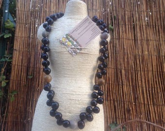 Long necklace for men, while the seeds of vegetable matter, SOAP, yellow and grey modeleUnique kanic