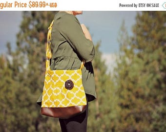 CHRISTMAS SALE Conceal Carry Purse, Medium Messenger Bag, Mustard Yellow Quarterfoil, Conceal Carry Handbag, Concealed Carry Purse, Conceal