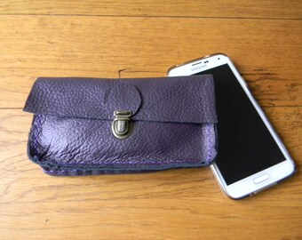 For this plum leather wallet phone belt