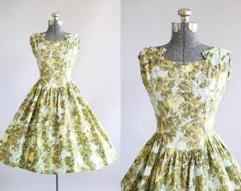 Vintage 1950s Dress / 50s Cotton Dress / Rembrandt Olive Green Scribble Floral Print Dress M