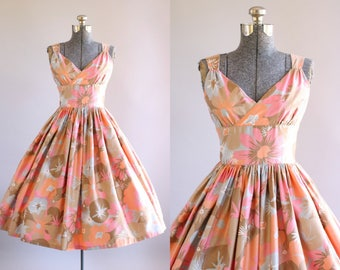 Vintage 1950s Dress / 50s Cotton Dress / Pink Tan and Peach Floral Dress w/ Shelf Bust S