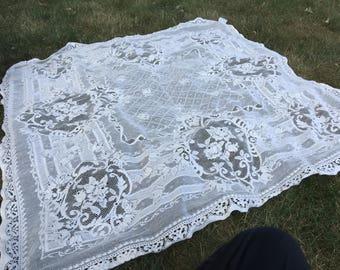 """Vintage Lace Crochet Tablecloth - 45"""" Square"""