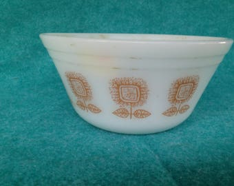 "Federal Glass Brown Sunflowers 6"" Mixing Bowl"