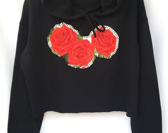 Red Roses Valentines Cropped Hand Stitched Black Hoodie. Black Hoodie Sweater Cropped. Las Rosas Hoodie.