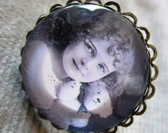 """Shabby chic """"the child and the bear"""" ring"""