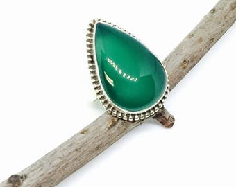 Green Onyx ring set in sterling silver 925. Size -6. Genuine natural teardrop green onyx stone.