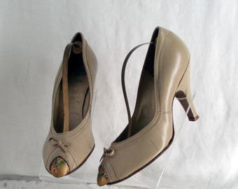 New Look Taupe WW2 c1940's Peep Toe Court Shoes Size  Brevitt Kittens New Old Shop Stock .  WW11 Fashion .  Lindy Hop . Land Girl .