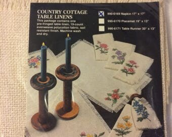 Country Cottage Table Linens Napkins by Janlyn 17  inch square