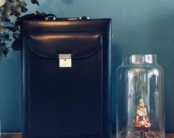 Vintage faux lederen aktenkoffertje | vintage briefcase | aktetas | black faux leather briefcase