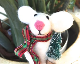 Christmas Mouse with Christmas tree Needle felted Mouse needle felted animal felting mouse animal fiber art cute figurine felt wool white