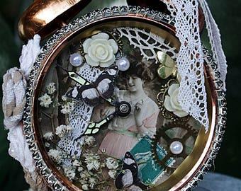 "Dreamy alarm clock ""Exquisite hours"""