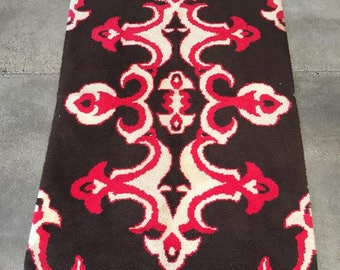 1950's Hand Hooked Are Rug (G2Z8E8)