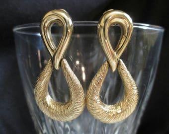 Door Knocker Earrings Figure 8 dangle drop earrings Goldtone pierced shiny textured earrings dangling earrings retro mod earrings