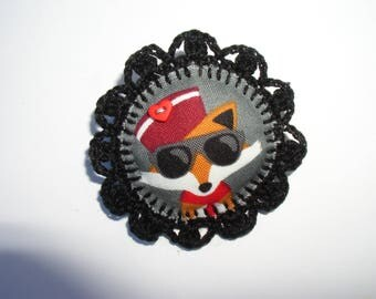 black and gray Fox brooch in felt and fabric