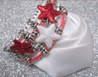 Bracelet magic of Christmas and Red snowflakes