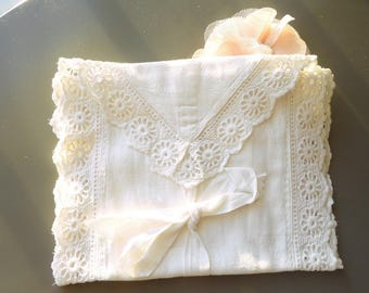 vintage 1950s lace and white vintage cotton pouch