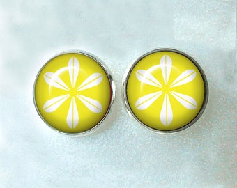 Cathrine Holm Post Earrings 14mm ~ March Birthday ~ MCM Earrings ~ CathrineHolm ~ Yellow Lotus Earrings ~ Retro Jewelry