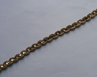 """5 Yards 1/4"""" Bronze ric rac with gold sequin zig zag trim for borders,Costume,home decor,wedding, decorations,fancy trim, packaging material"""