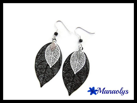 Lightweight earrings, feathers, leaves, black and white 3187