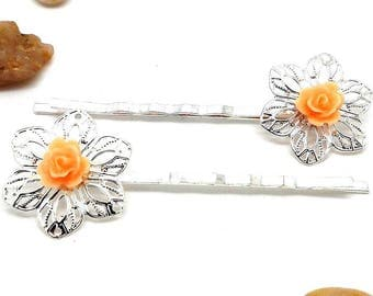Lot 2 silver pins, salmon flower