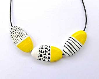 Wooden Bead Necklace, Yellow Necklace, Geometric Necklace, Geometric Jewelry, Wooden Jewelry, Spring Necklace, Minimal Jewelry, Black, White