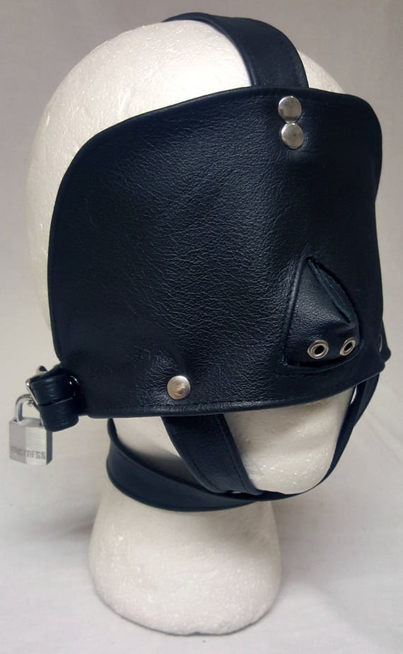 Locking Quot Total Blackout Quot Leather Blindfold W Locks 2