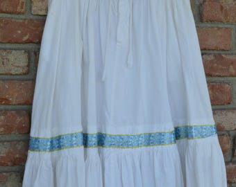 Vintage White Peasant Skirt, Boho Style, India Cotton, Front Button, 1970s, Hippie Skirt