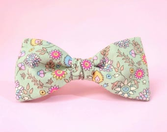 Floral Bowtie, Green Bowtie, Wedding Bowtie, Countryside Wedding, Groom Bowtie, Gift for Boyfriend, Pre tied Bowtie, Cotton Bowtie, Bow Tie